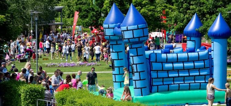 Kaiserslautern, Gartenschau, Freilichtbühne, Kinderfest, Ãbersicht. 07.06.2015  Foto: Joachim Ackermann / view - die agentur
