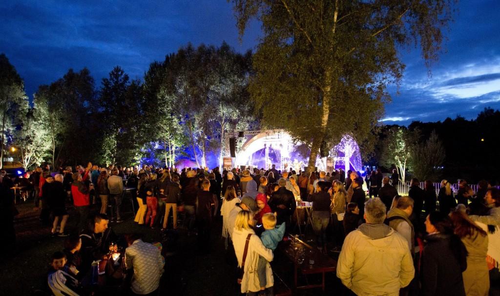 Freilichtbühne im Neumühlepark